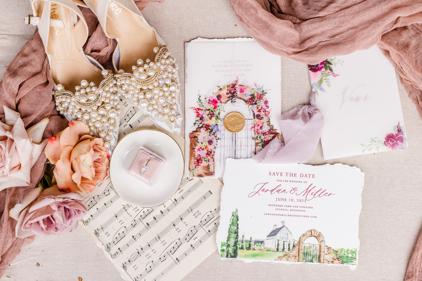 Easy Ways to Dress Up Your Wedding Invitations
