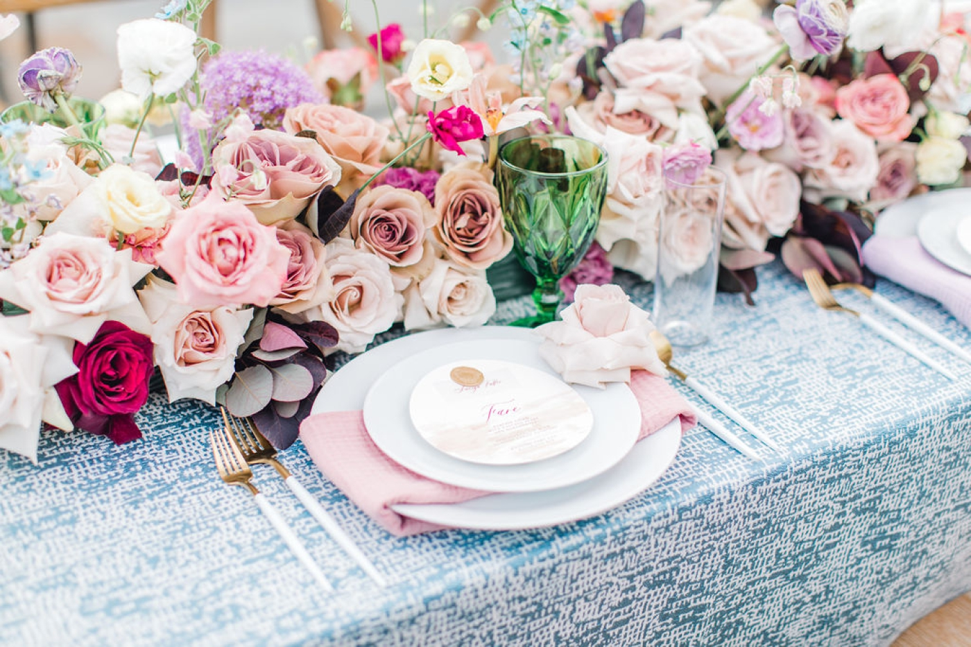 adding wax seals to your wedding decor