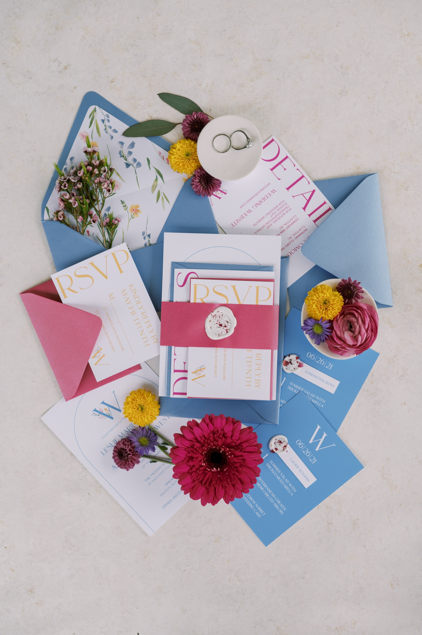Unique ways to add details to your wedding invitations