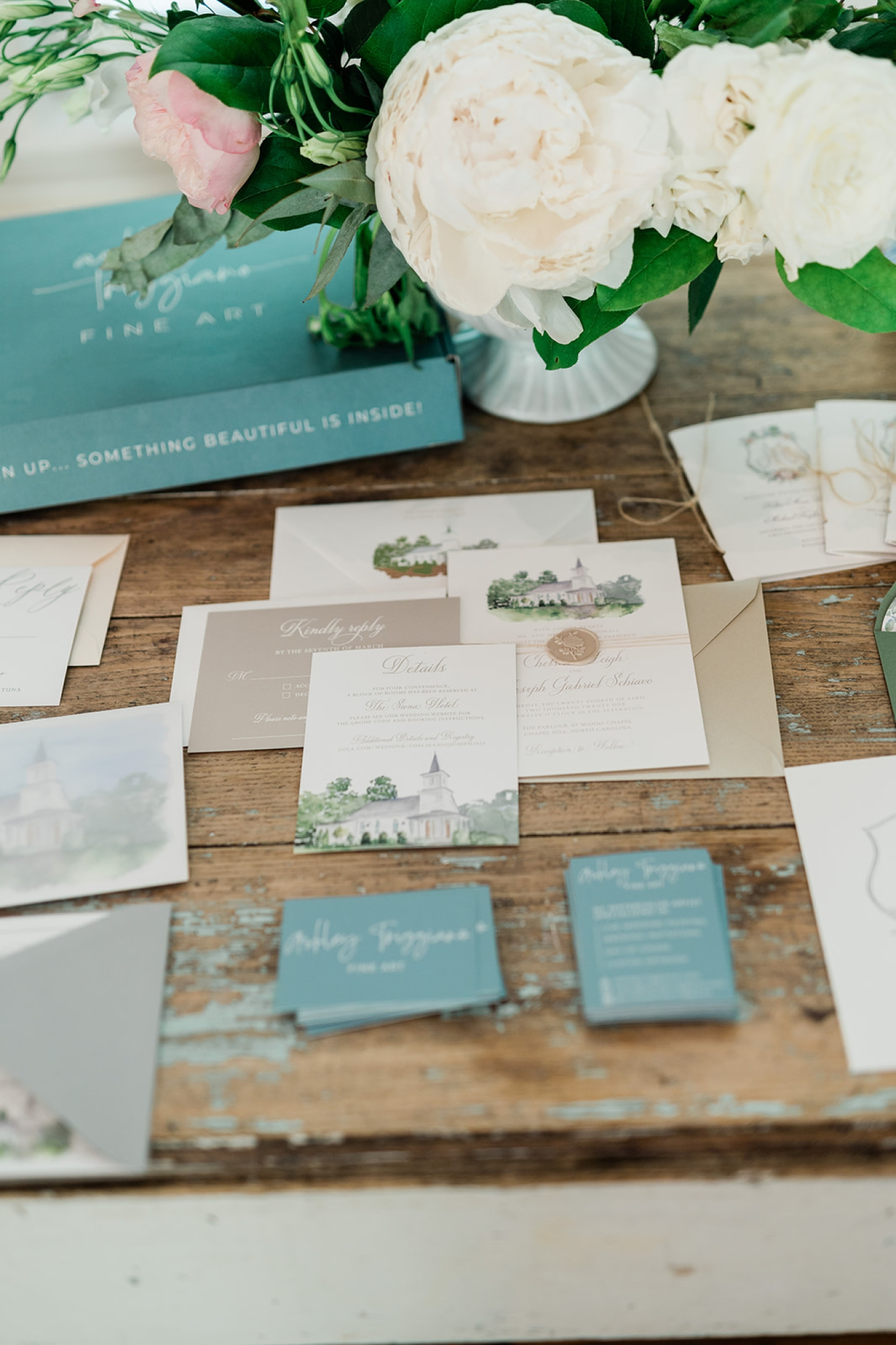 How to find a custom stationery designer